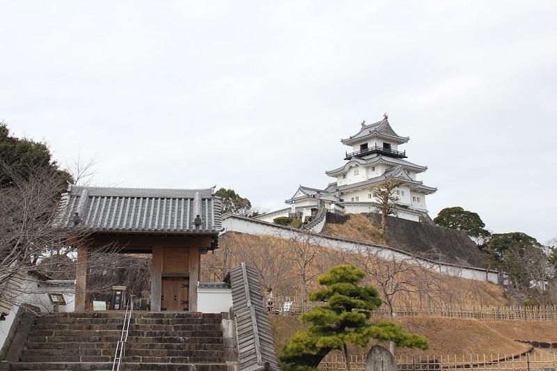 掛川城「城門と天守閣」