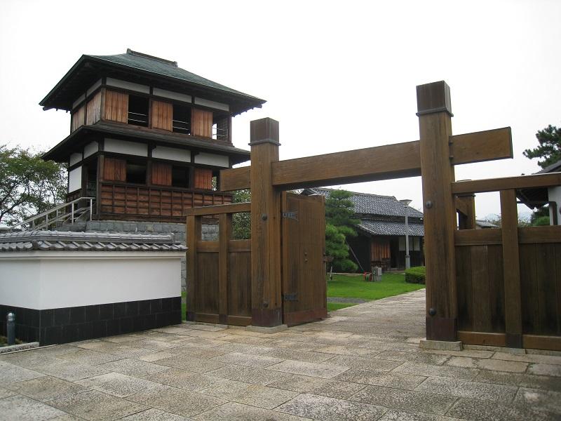 田中城「下屋敷」